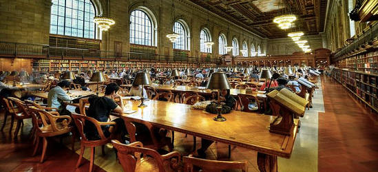 Estudiar en biblioteca