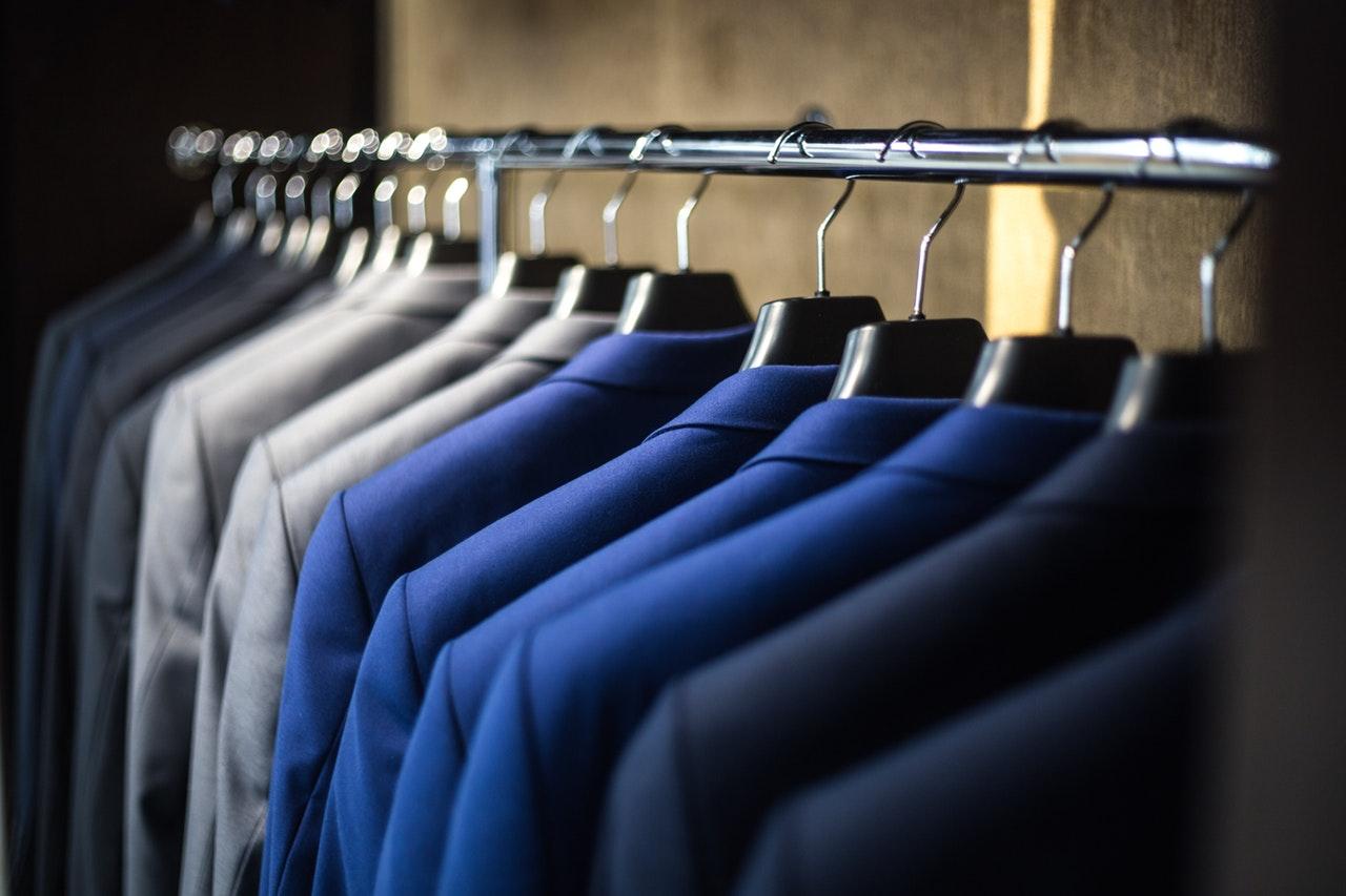 5e2a80bf020 [Legal] ¿Puede la empresa imponer un código de vestuario a sus trabajadores?