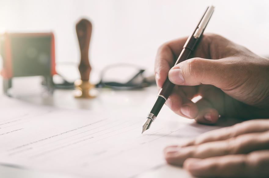 Cláusulas contrato freelance