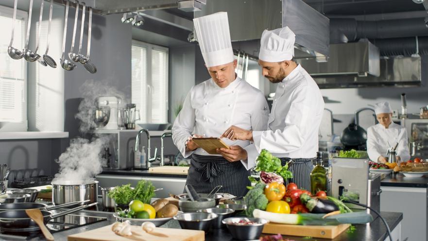 C mo trabajar como jefe de cocina for Trabajo jefe de cocina