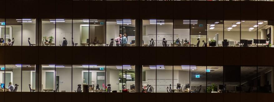 ¿Tienes una jornada nocturna en tu trabajo? Esto es lo que debes saber