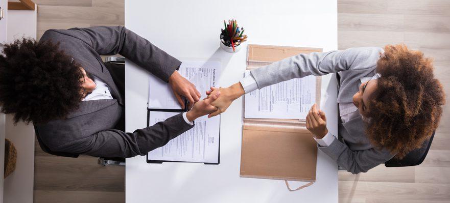 Las cosas que deberías hacer después de la entrevista de trabajo