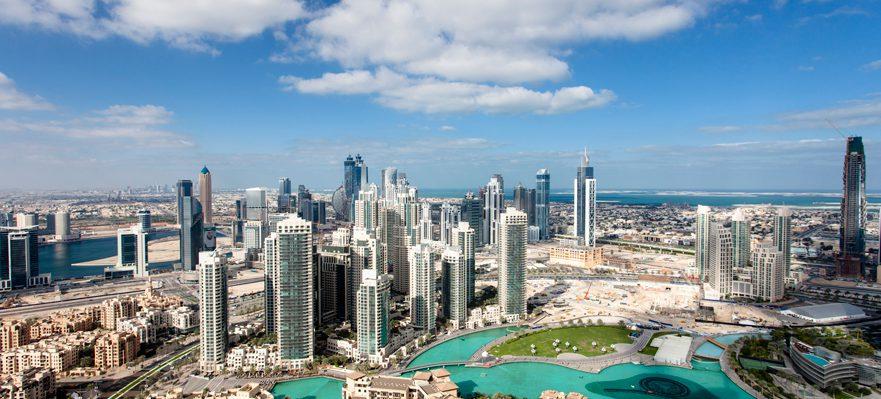 Cómo trabajar en Emiratos Árabes Unidos