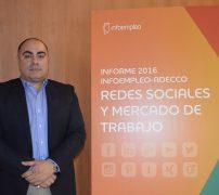 Reyes Sanz de Accenture en la presentación de empleo y redes
