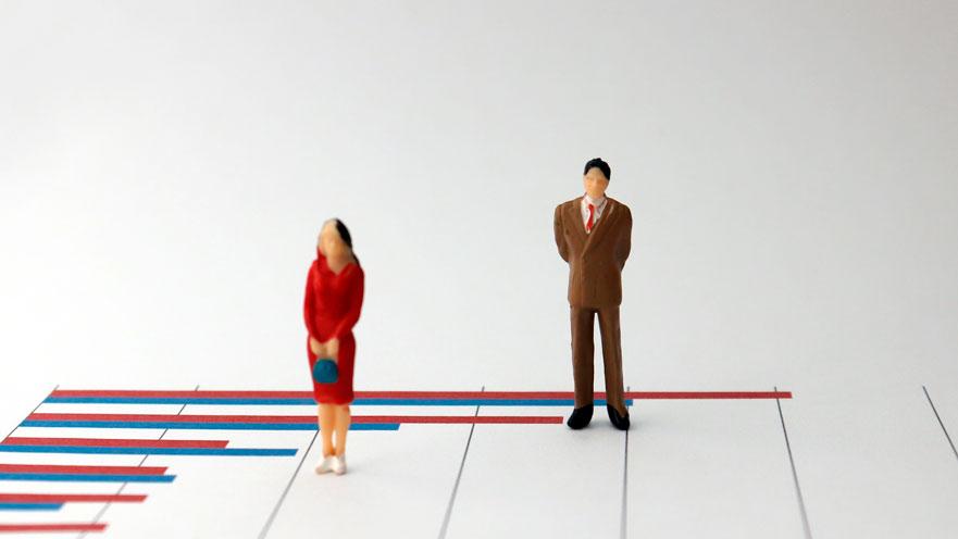 Brecha salarial: las mujeres estudian más pero cobran menos