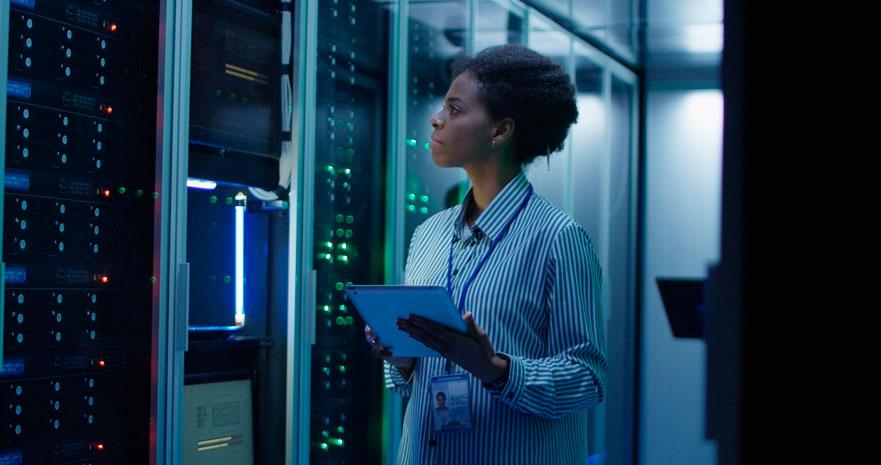 Cómo atraer más mujeres para fomentar el empleo en el sector tecnológico