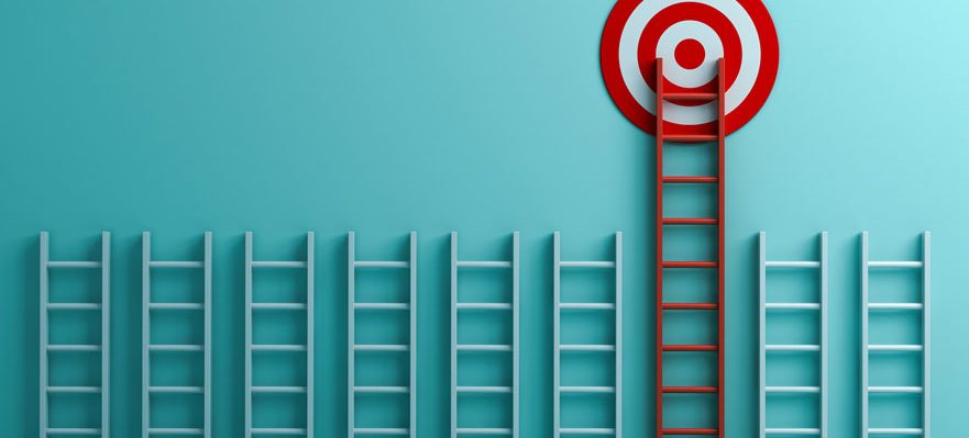 ¿Encontrar un trabajo o construir una carrera profesional?