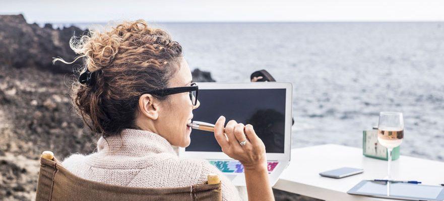 Nómada digital: ventajas e inconvenientes de este nuevo perfil laboral