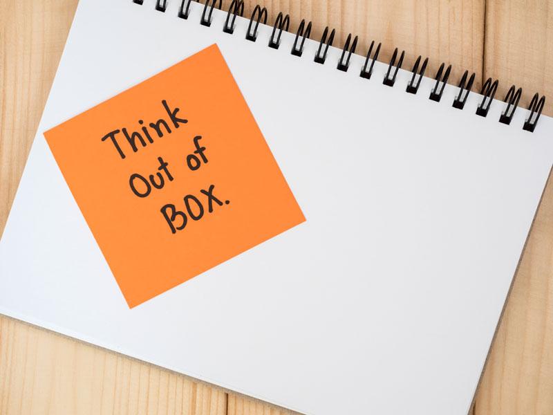 pensar fuera de la caja, superar las ideas preconcebidas
